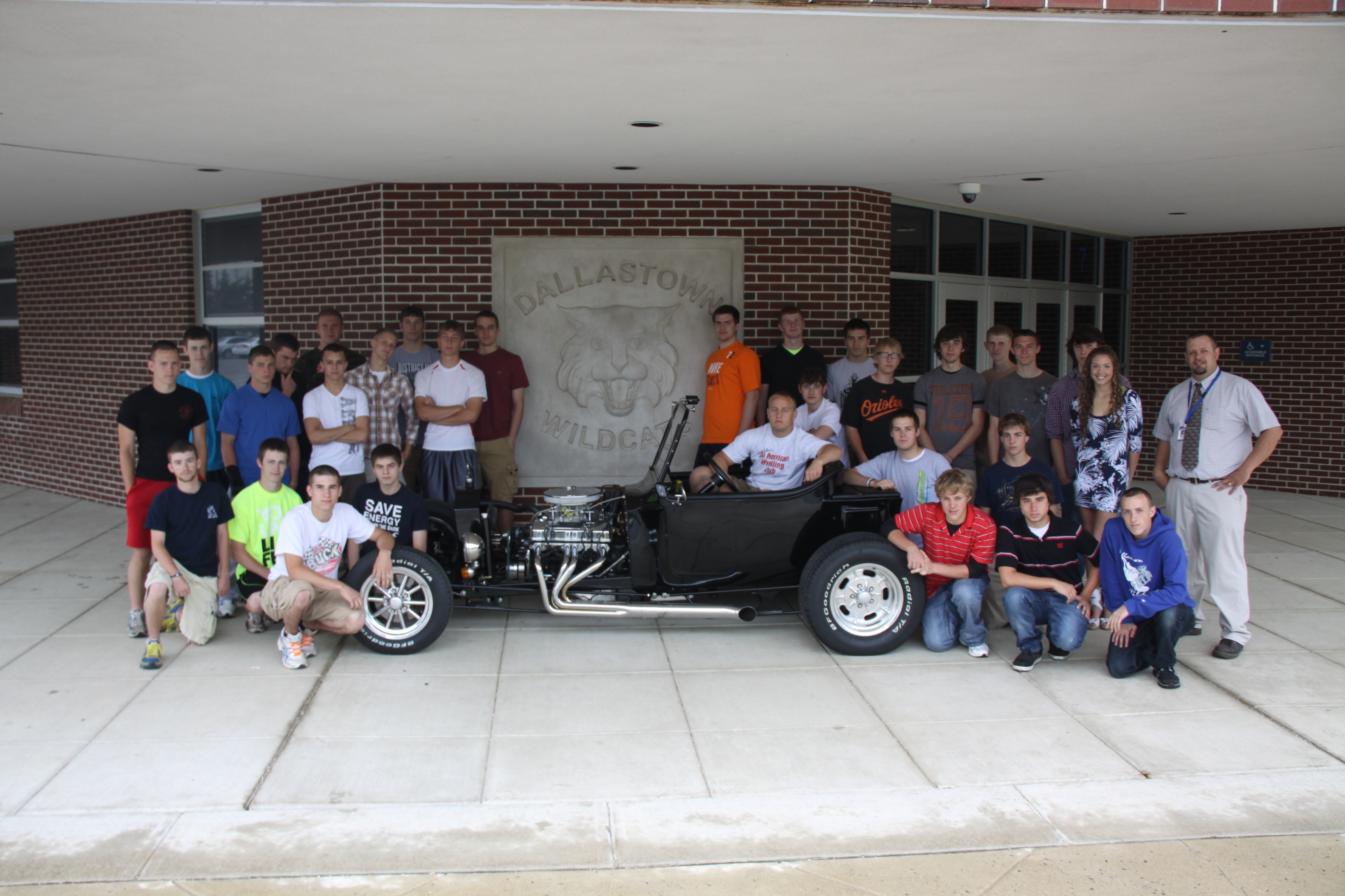 Dallastown High Building Electric Vehicle with Allied Wire | Allied ...